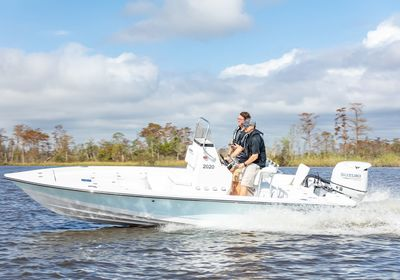 4 Reasons to Add Underwater Lights to Your Blazer Boat